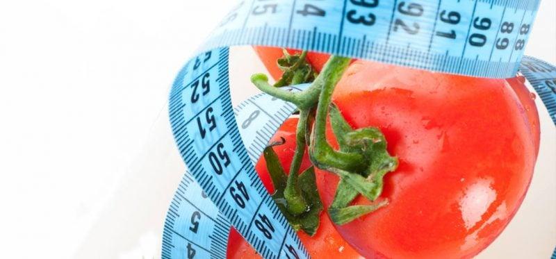 Tomaten Diät zeigt wie viel Tomaten gesund ist und wie man mit Tomatensaft abnehmen kann!