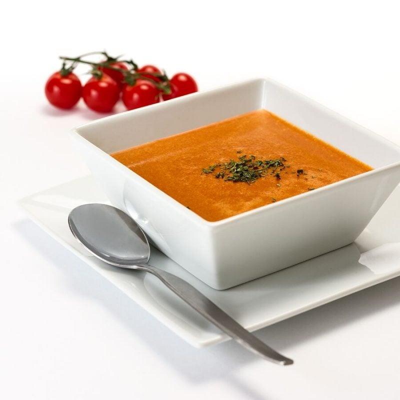 Tomatensuppe aus passierten Tomaten