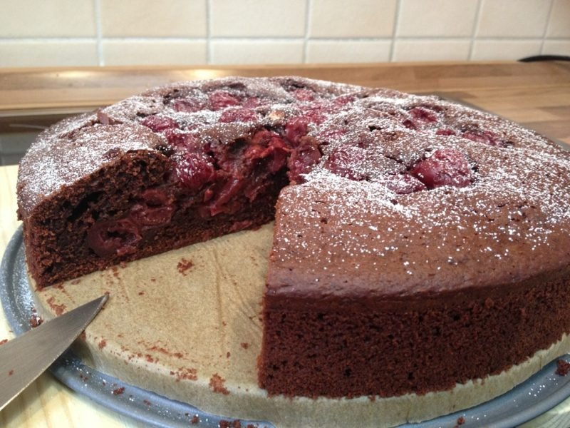 Schoko-Kirsch Kuchen mit Kakaobutter vegan