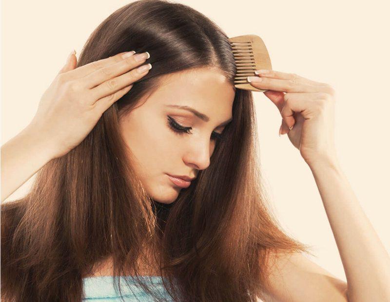 fettige Haare Pflegetipps Kamm verwenden
