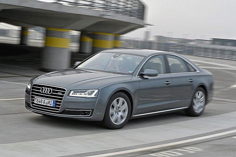 geile Autos Audi A8 Frontansicht