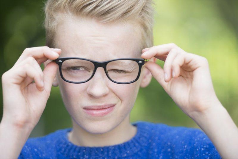 Muskelzucken Auge Fehlsichtigkeit
