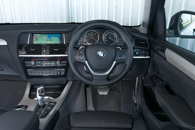 Sportwagen BMW X3 Innenraum