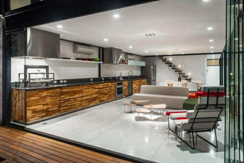 Wohnküche Einrichtungsideen Holz und Edelstahl