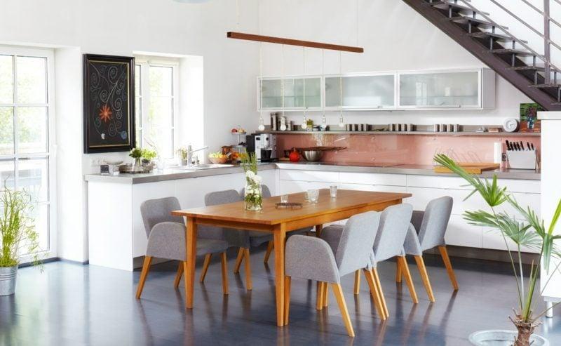 Wohnküche neutrale Farbgestaltung