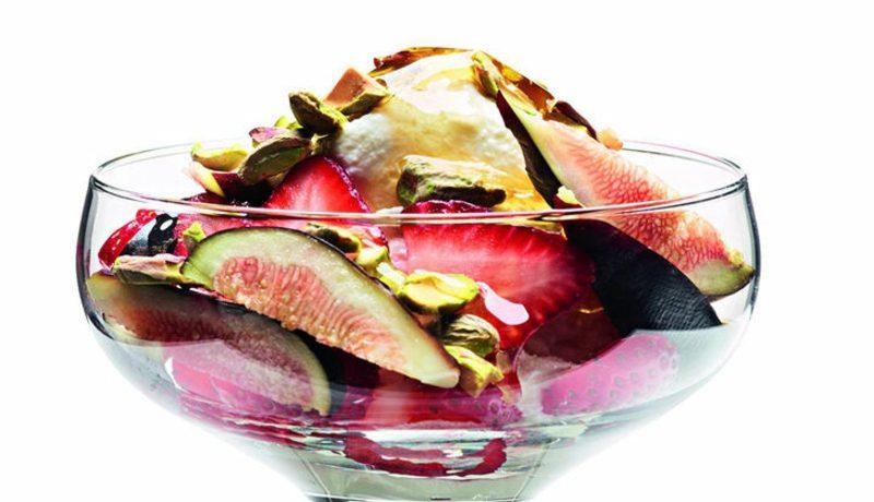 Protein Rezepte Magerquark mit Riccota, frischen Feigen und Erdbeeren