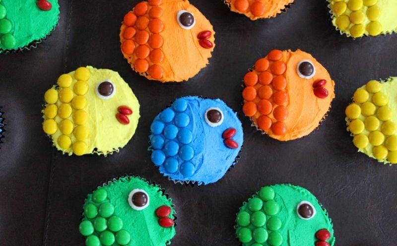 Muffins für den Kindergeburtstag verziert als Fische