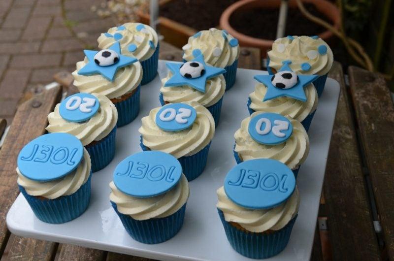 Muffins für Kinder Junge Geburtstagsparty