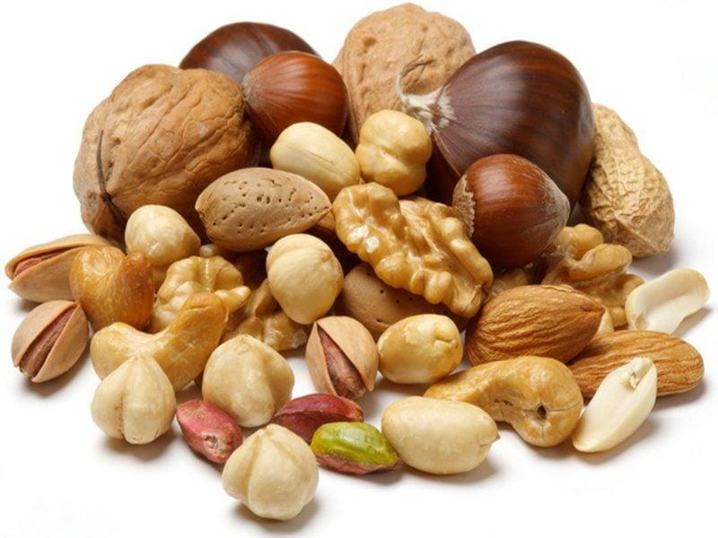 zuckendes Augenlid Magnesiummangel Nüsse essen