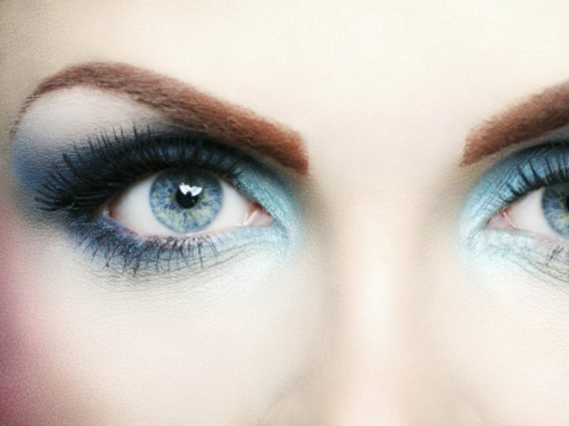 Smokey Make-up Sommer originelle farbkombinationen