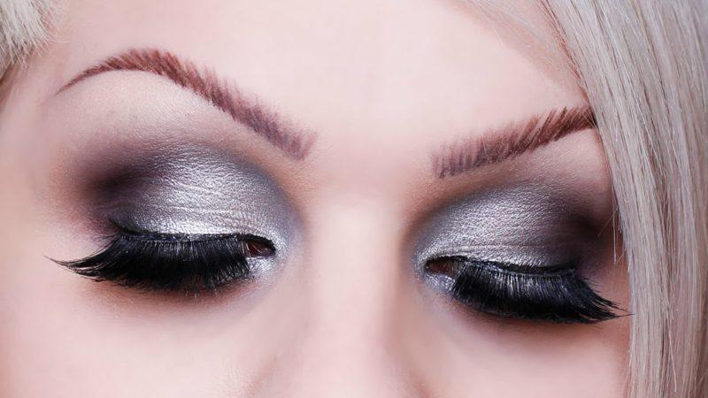 Augen Schminken Anleitung silberne Lidschatten