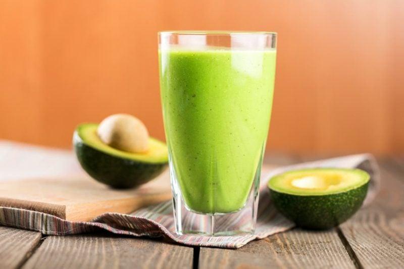 Smoothie Rezepte zum Abnehmen mit Avocado und Apfel