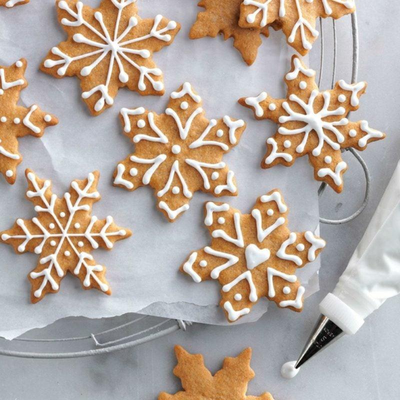 Zuckerguss machen Weihnachtskekse dekorieren