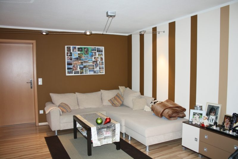 Wohnzimmer farben Wand weiss schokoladenbraun