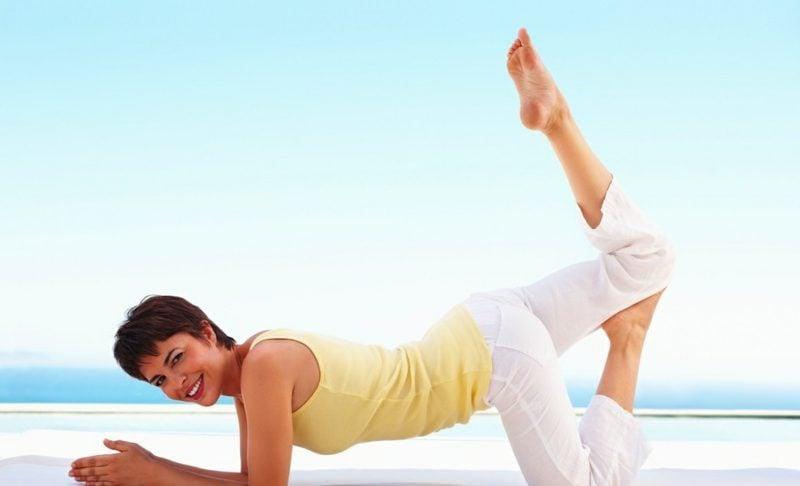 yoga ausüben bauchfett verlieren