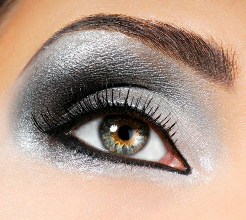 Smokey Eyes Lidschatten Metallic Augenfarbe grün