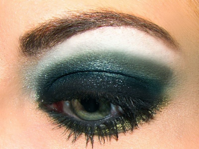 Smokey Eyes schminken grün Sommer Abendlook