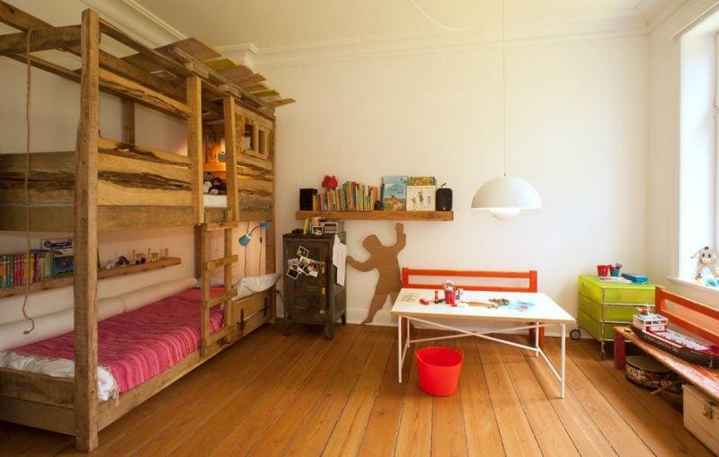 Hochbett selber bauen Bett selber bauen aus Massivholz
