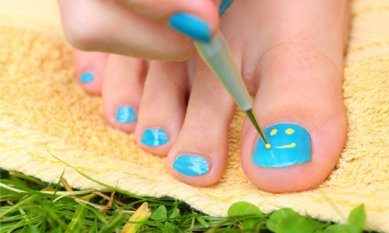 Schöne Fußnägel im Sommer: was sollten wir wissen?