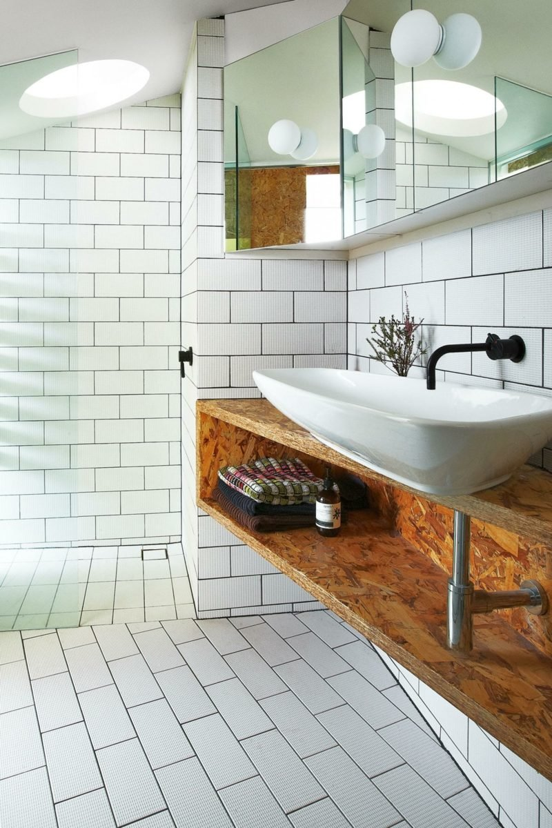 badezimmer modern weiße wandfliesen
