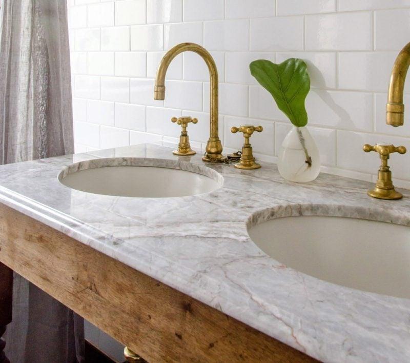 badezimmer marmor fliesen modern