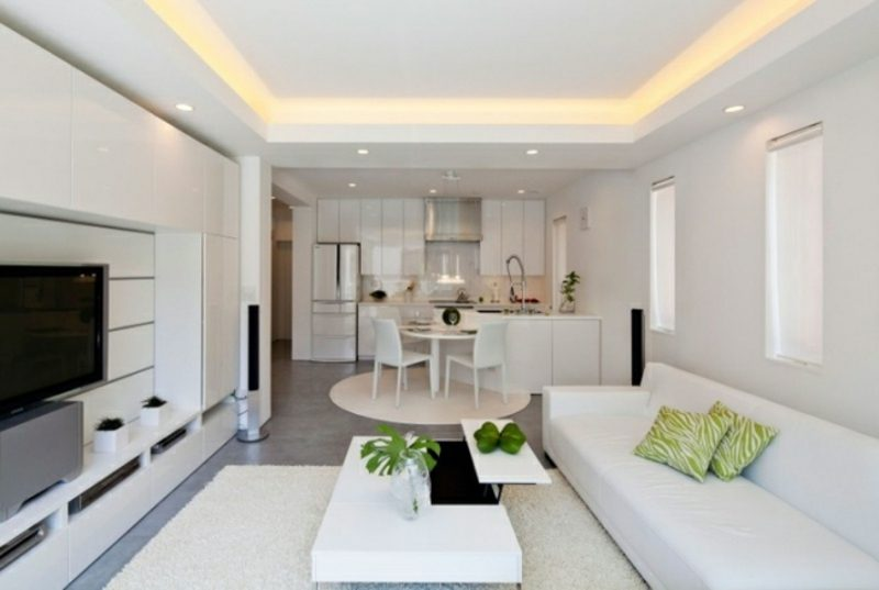 Wohnzimmer mit offener Küche weiss Deckenbeleuchtung