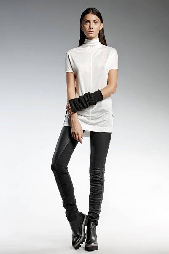 Die Modesammlung von Pendari steht für Minimalismus und zeitlosen Stil