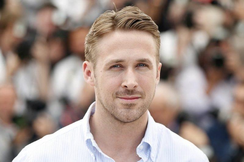 elegante Herrenfrisuren Ryan Gosling Seitenscheitel