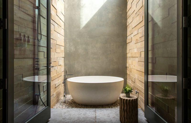 Badgestaltung modern freistehende Badewanne