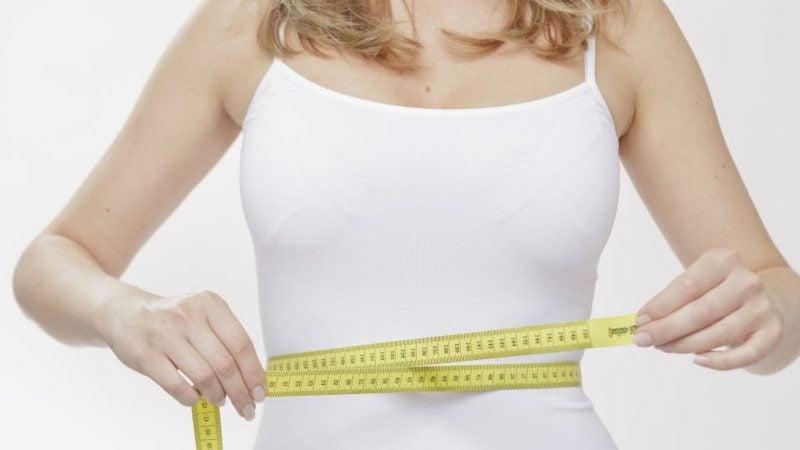 Bauchfett reduzieren Frau