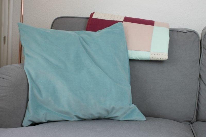 kissenbezug n hen ausf hrliche anleitung und tolle. Black Bedroom Furniture Sets. Home Design Ideas