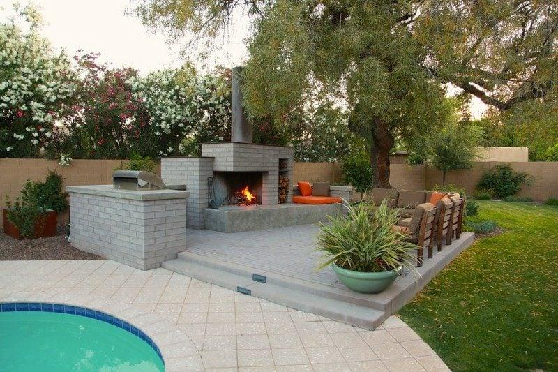 Terrassengestaltung mit Gartenkamin