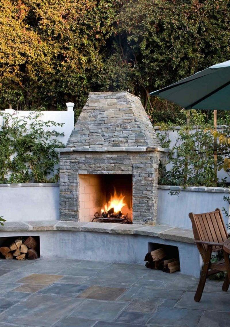 Gartenkamin bauen aus Bruchstein