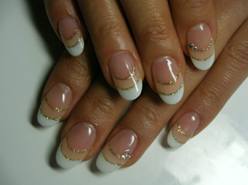Nageldesign French Glitzer
