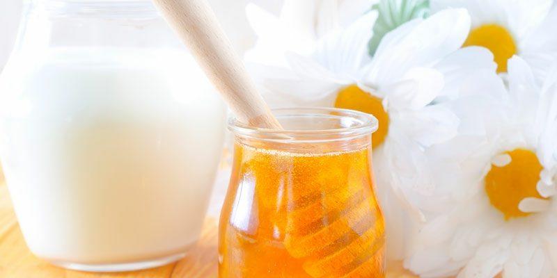 Mitesser Nase Gesichtsmaske mit Milch und Honig Honig gegen Pickel
