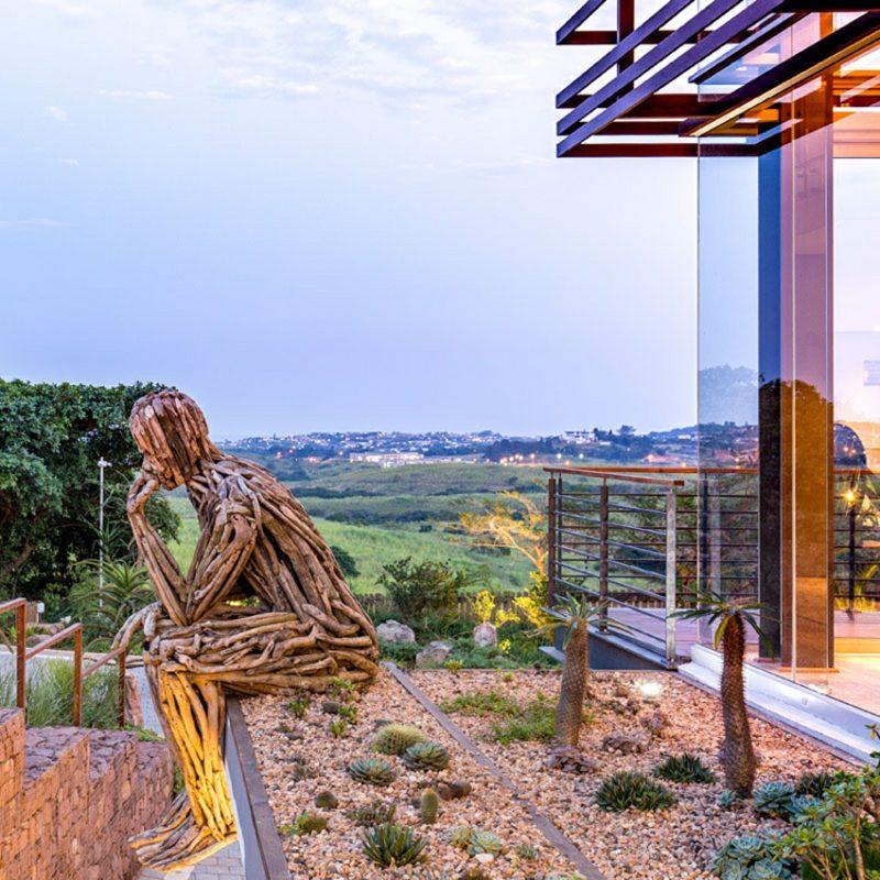 Haus modern Südafrika Garten Skulptur