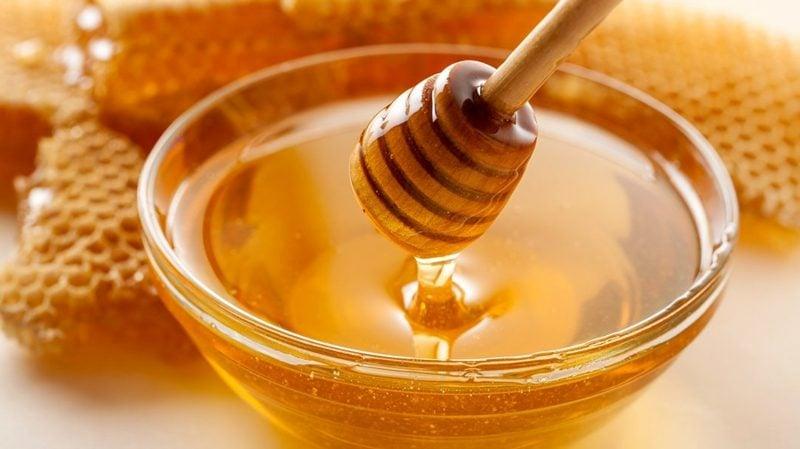 Pickel schnell wegkommen Mittel gegen Mitesser Honig