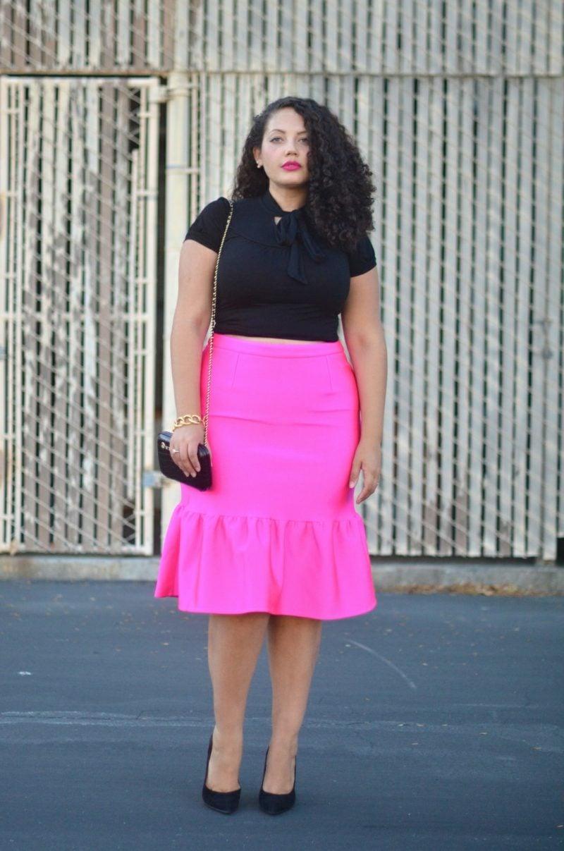Mode für mollige Frauen breiter Rock rosa