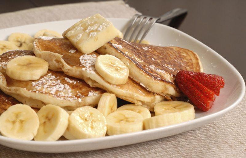 gesundes Frühstück zum Abnehmen low carb Pfannkuchen mit Proteinpulver