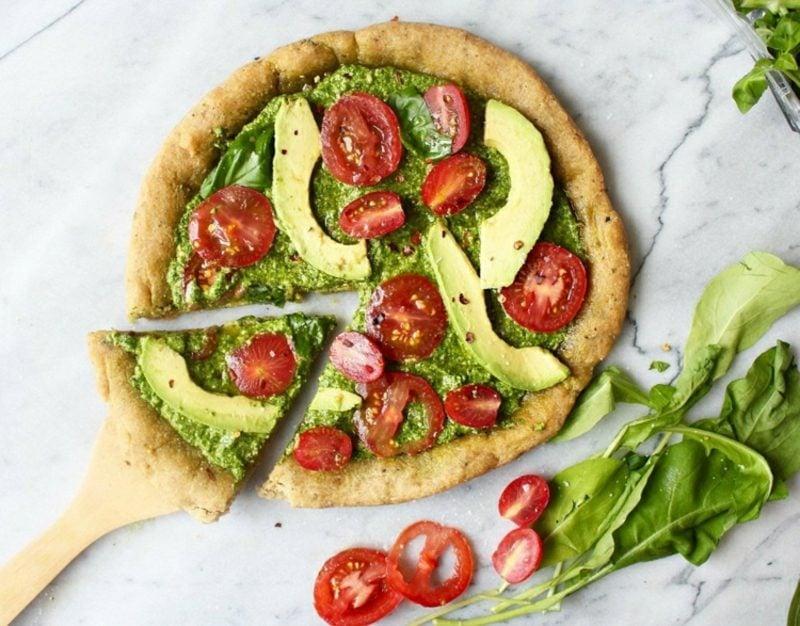 Pizza Belag vegan Avocado Tomaten