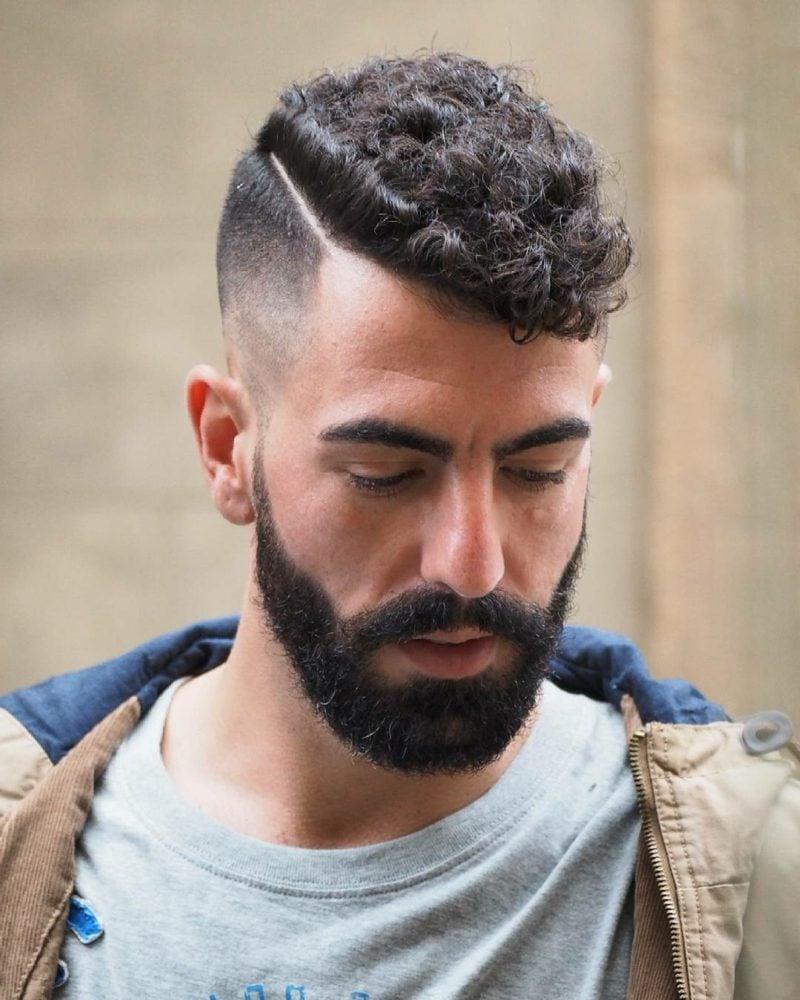 Frisuren Locken Sidecut Männer