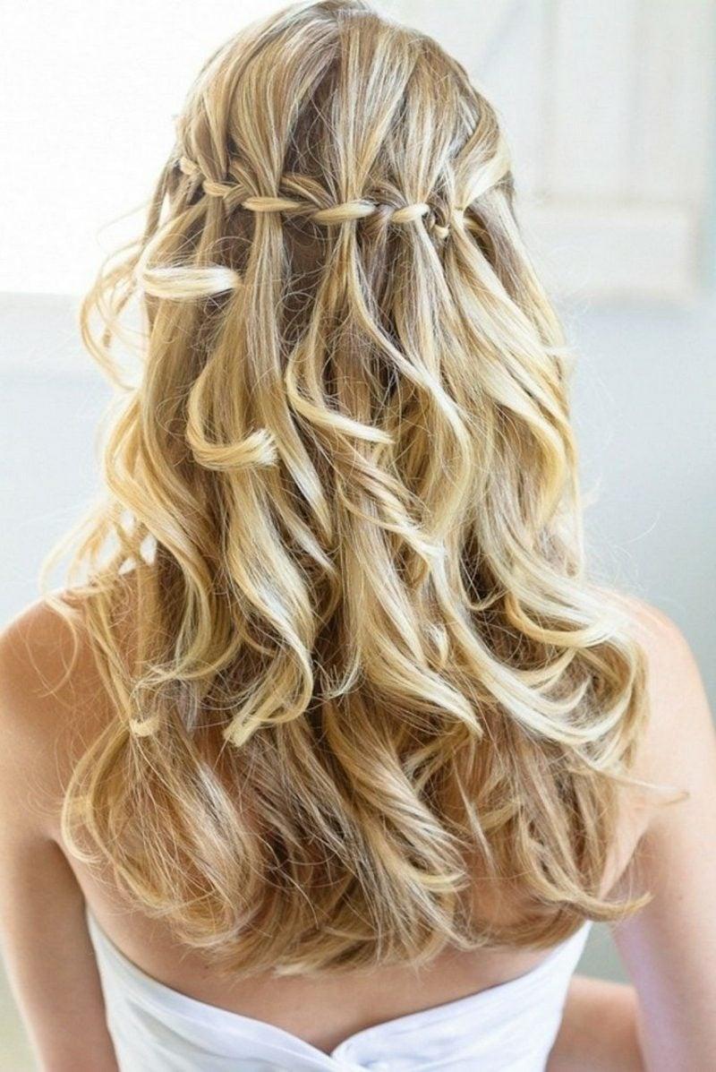 ausgefallene Frisuren lange Haare Wasserfallzopf
