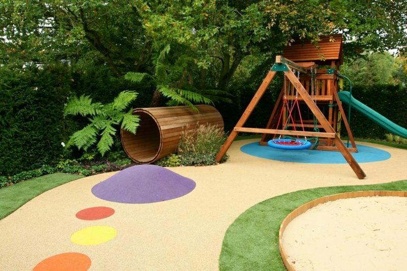 Spielecke im Garten bunt gestalten Ideen und Inspirationen