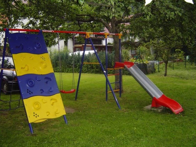 Spielecke Garten selber gestalten DIY Ideen