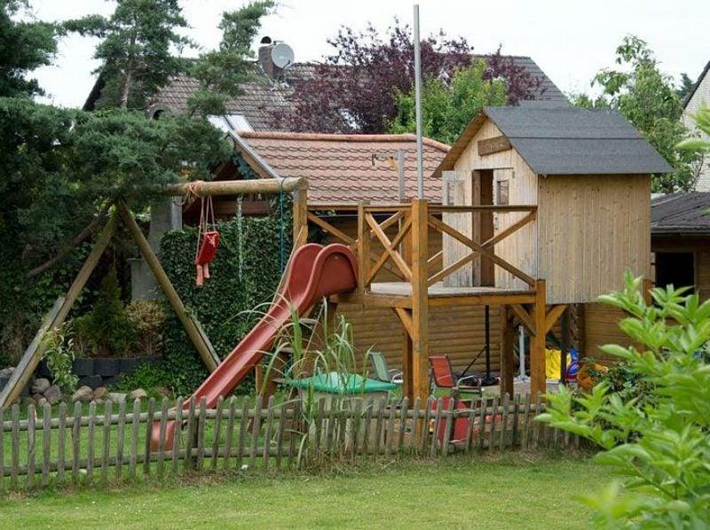 Gartengestaltung Spielecke Kinder moderne Ideen