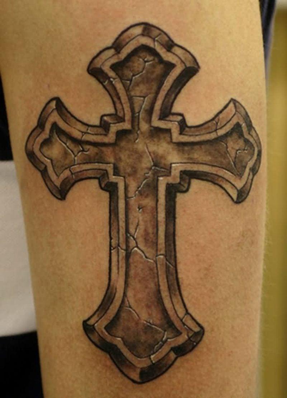 Tattoo Kreuz gross attraktiver Look