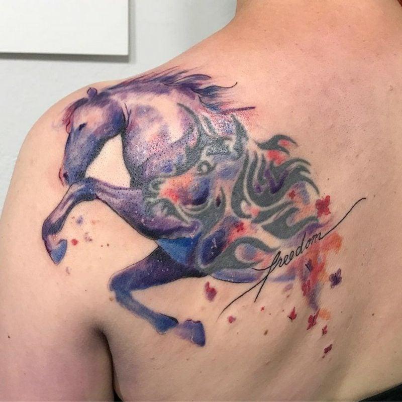 Watercolor Tattoo Tiermuster Pferd