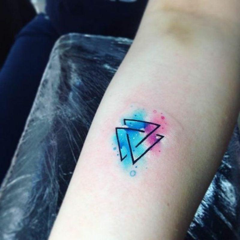 Watercolor Tattoo klein geometrisch