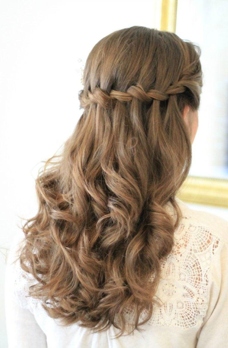 Wasserfall Frisur lockiges Haar