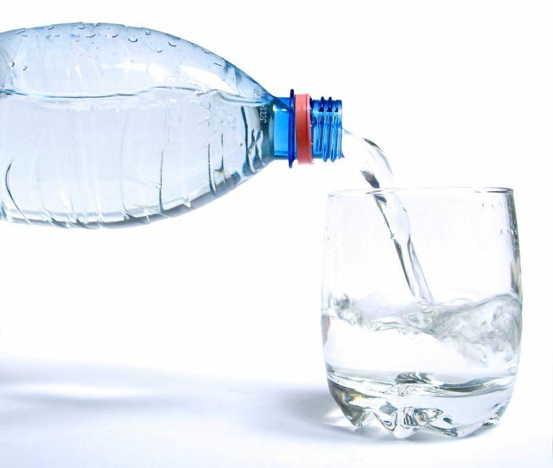 Fett verbrennen am Bauch genug Wasser trinken